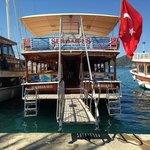 serdar boat