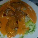 Pimientos de piquillo rellenos de bacalao (cremosos y deliciosos)