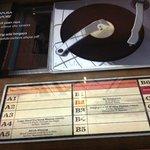 Jukebox modern yang berisi lagu-lagu Melayu lawas