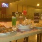 Makan Malam di Magnolia Cafe