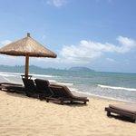 Пляж с видом на Санья