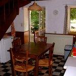 dining/kitchen giteA