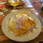 La crêpe aux pommes caramel beurre salé et flambée au calvados
