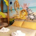Camera a tema Madagascar parete dipinta