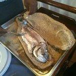 Dourada do mar ao pão no rest. Alfoz em Alcochete
