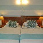 Room 6 twin beds