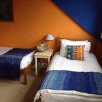 Room 4 (2 Single Beds)