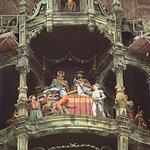 Куранты с фигурами на башне Ратхауса