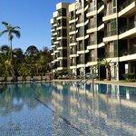 L'hôtel avec vue sur la piscine extérieure