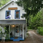 Rolling River Cafe Gallery & Inn