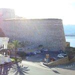 La Citadelle et la baie sous nos yeux dès le réveil...