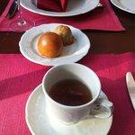 Lahanali ve mantarli çörekler ve Puskin Cayı.