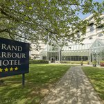 Grand Harbour Hotel
