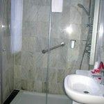 Toledo Carlos V Hotel - bathroom facilities