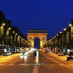 Champs Elysees within 5mn walk