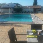 piscine petit dejeuné