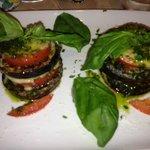 Tomate , Mozzarella et Aubergine avec son délicieux pesto