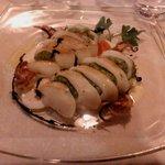 Antipasto: Calamari ripieni, broccoletti e crema di burrata