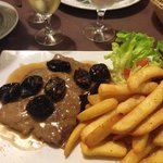 veal with prunes main course