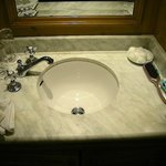 Bathroom sink, Robt. Emmet room