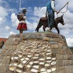 Statue on Maras' Main Plaza