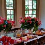 Café da manhã na varanda.