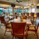 The Par Lounge Dining Area