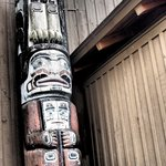 Totem pole by entryway to the museum