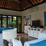 living room (5 bedroom)