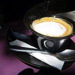 un café au café des Baux