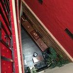 Innen offen von der Zimmertür zur Bar