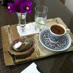 Turquoise'da Türk kahvesi servisi