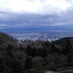 А вот такой потрясный вид открывается на Кобе с высоты гор