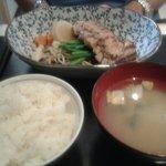 Filet de canard mariné au miso cuit à la vapeur