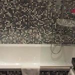 Baignoire, salle de bain très propre