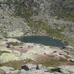 Laguna de peñalara vista desde el refugio zabala