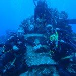 con el moai submarino