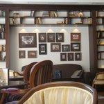 spazi comuni - libreria nella hall