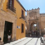 Hotel location right by the Mezquita