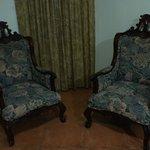 Alexander Suite Sitting Area