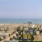 Spiaggia di fronte all'hotel