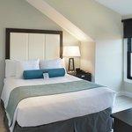 Penthouse Loft- Queen Size Bed