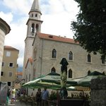 la vielle ville de Budva à 2km
