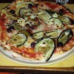 Pizza with veggies