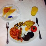 all day breakfast with toast and orange juice - all for £6.95!!