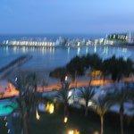 vista desde la habitación, al fondo el puerto deportivo de Alcossebre