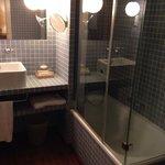 Baño habitación 201