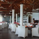 Sri Lankan Dining, Eat with your fingers in the fresh air