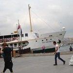 Şehir Hatları boat departing for Üsküdar