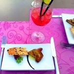 apéritif sur la terrasse foie gras poêlé et cocktail maison